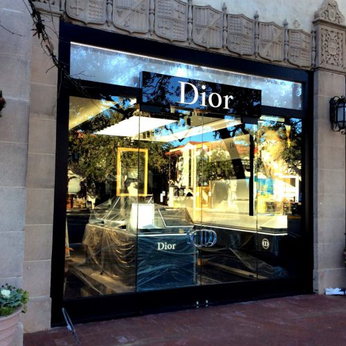 Exterior video of Houston's Dior store featuring Oversized, laminated and tempered exterior glass doors along with a digital, ceramic-printed branded Dior sign.