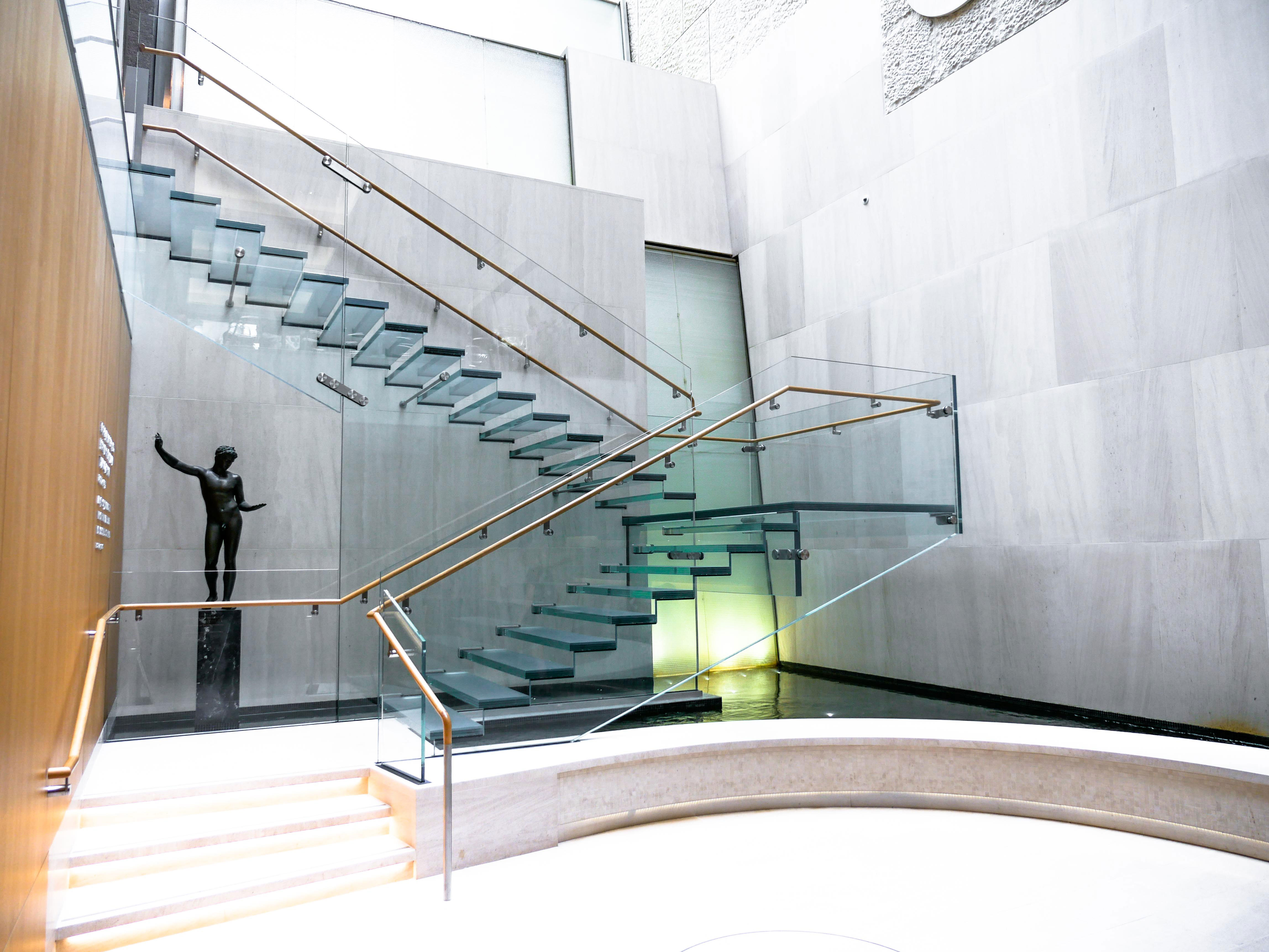 Onassis All Glass Staircase | AGNORA