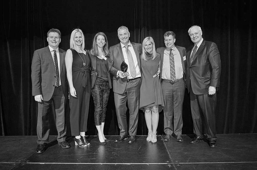AGNORA Wins 2016 Private Business Growth Award